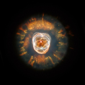 Nebulosa dell'Eschimese fotografata da Hubble Space Telescope. Credit: NASA/ESA/Hubble