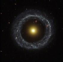 Oggetto di Hoag, telescopio Hubble