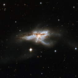 NGC5240, telescopio Hubble