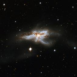 NGC5240, telescopio Hubble