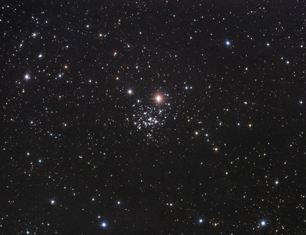 NGC654, lunga esposizione.