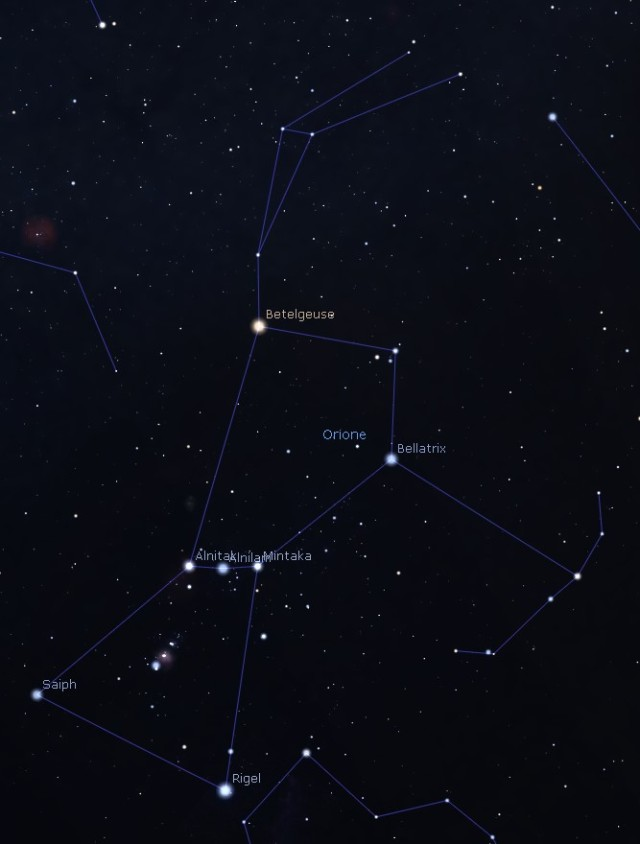 La costellazione di Orione. Ben visibile, la cintura, le tre stelle centrali. Sotto la cintura, la spada. Sulla spada, si inizia ad intravedere la nebulosità di M42. Software Stellarium.