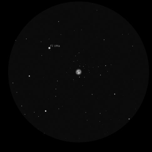 M97 a 59x, simulazione in scala di grigi con Stellarium